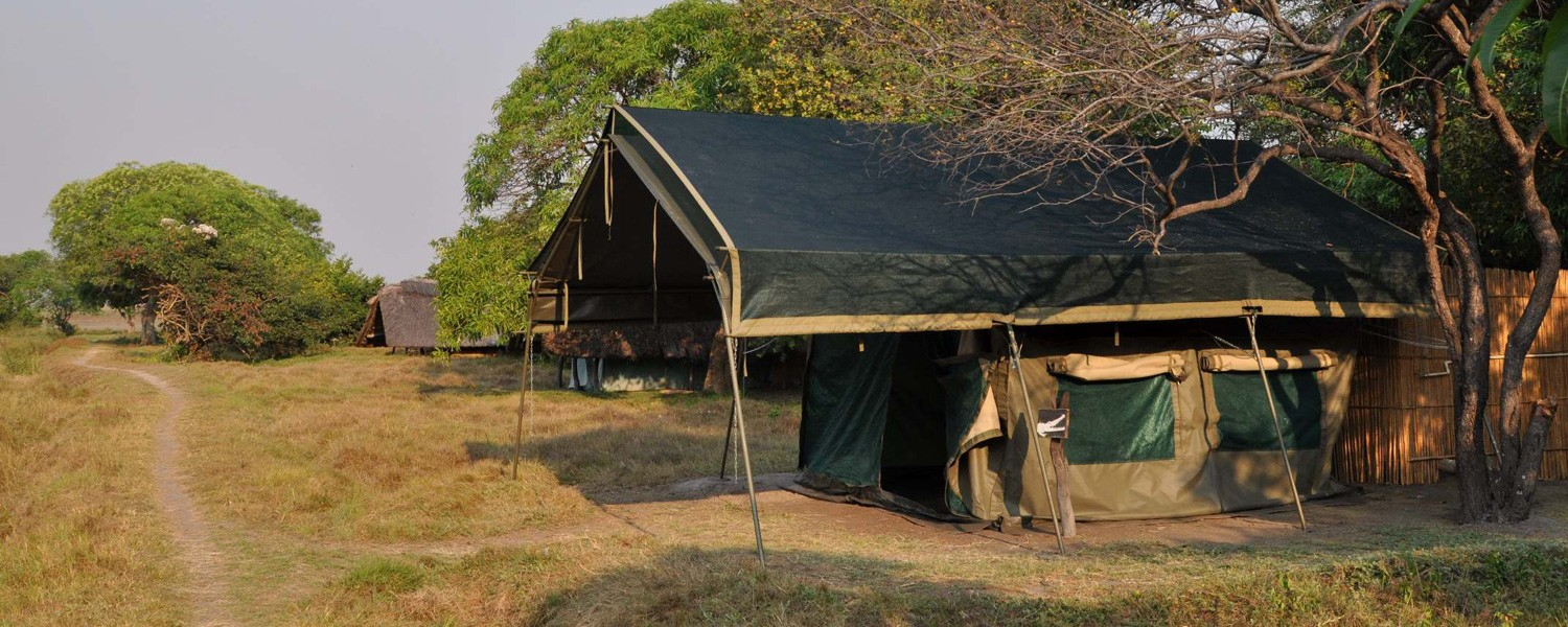 Shoebill-Island-camp-tents
